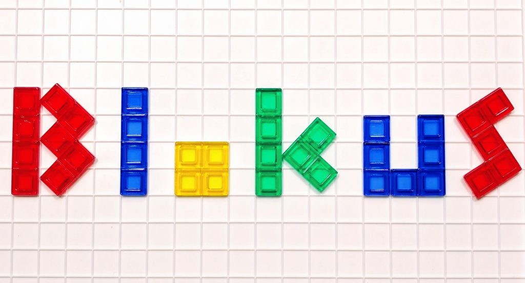 How Playing the Blokus Board Game Will Turn You Into a Genius
