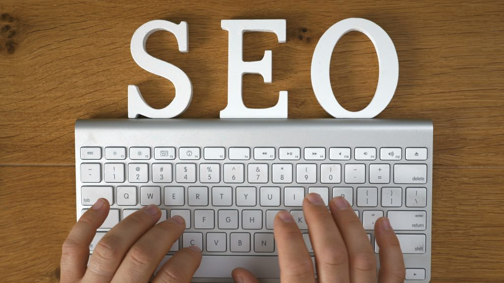 Local Business Marketing - 5 Reasons Why You Should Outsource Your SEO